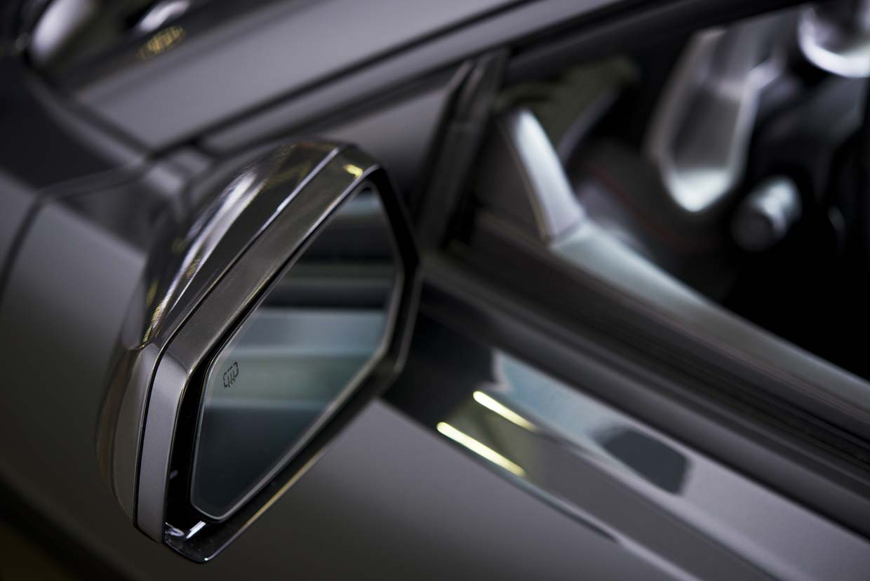 image of heated car mirror
